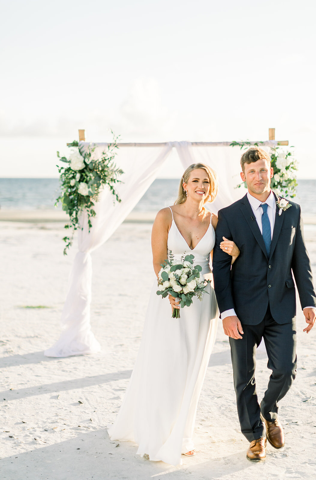 alex-mike-bowditch-beach-fort-myers-wedding-photos-1248