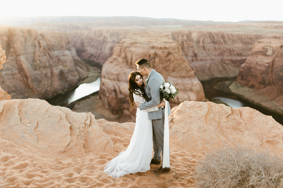 elopement-at-horeseshoe-bend-31