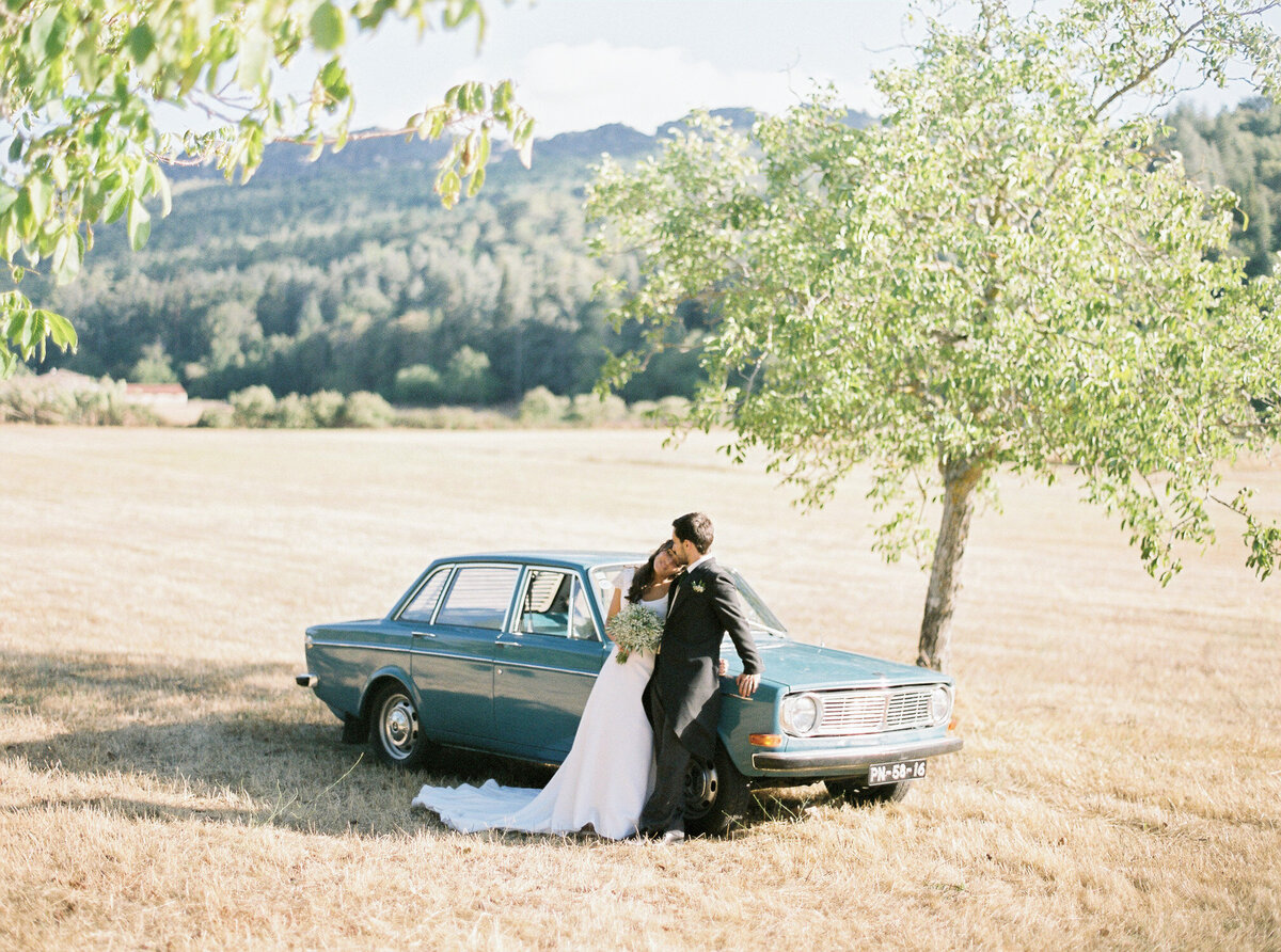 wedding_with_a_vintage_car_in_marvão-43