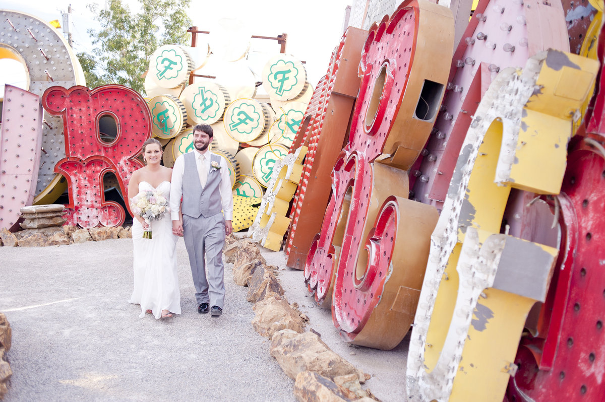 NeonMuseum_ToriBenWedding_photosbyTheEmerics-25
