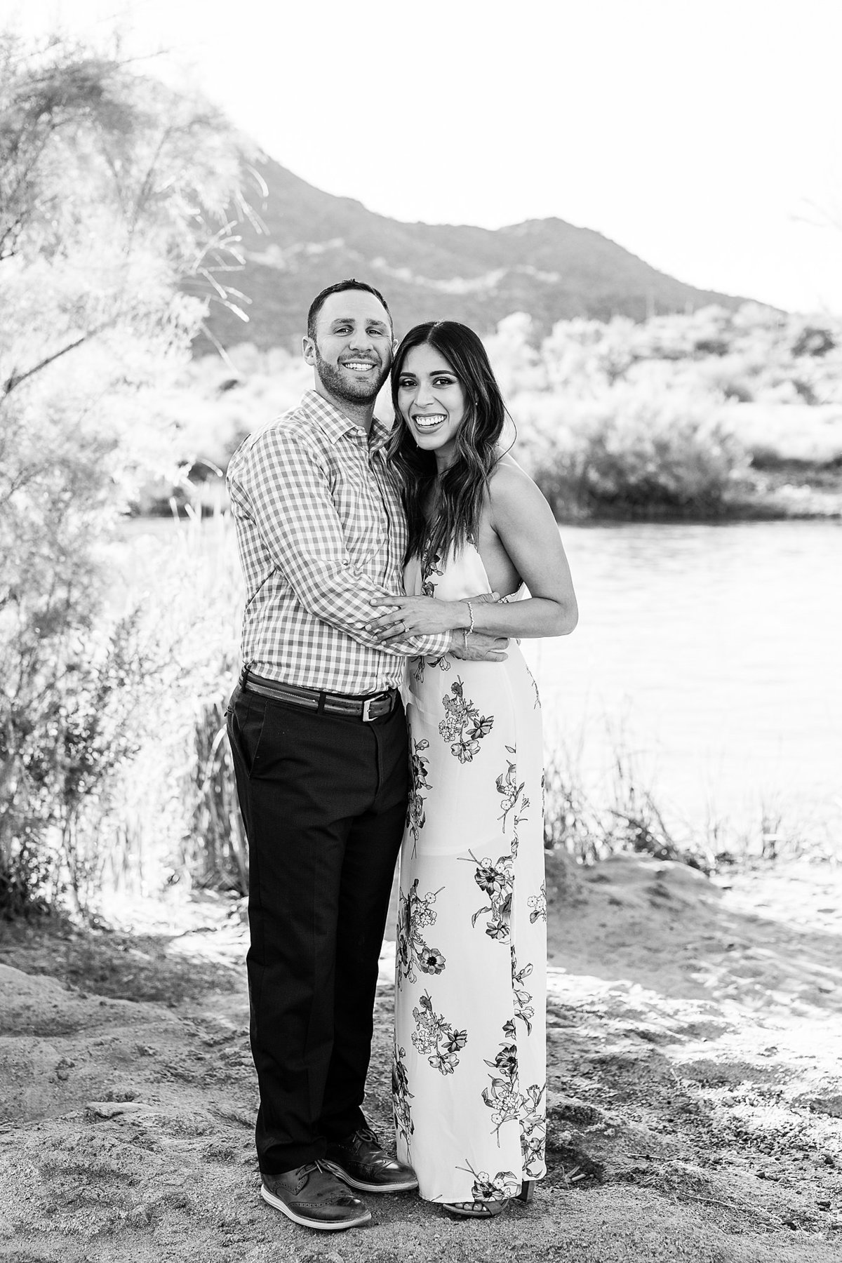 Celina + Colton - Engagement - Salt River Engagement Session-10_Lunabear Studios Portfolio