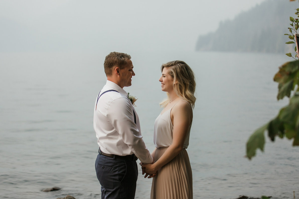 Lake-Cushman-Olympic-National-Park-Elopement-37