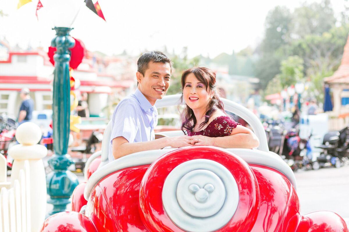 Disneyland-Engagement-Session-0012