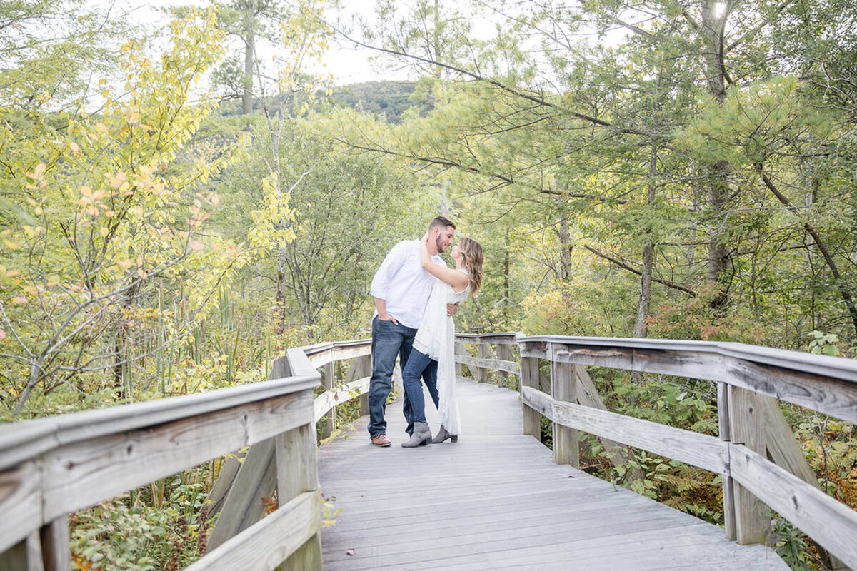Rachel-Elise-Photography-Syracuse-New-York-Engagement-Shoot-Labrador-Hallow-8