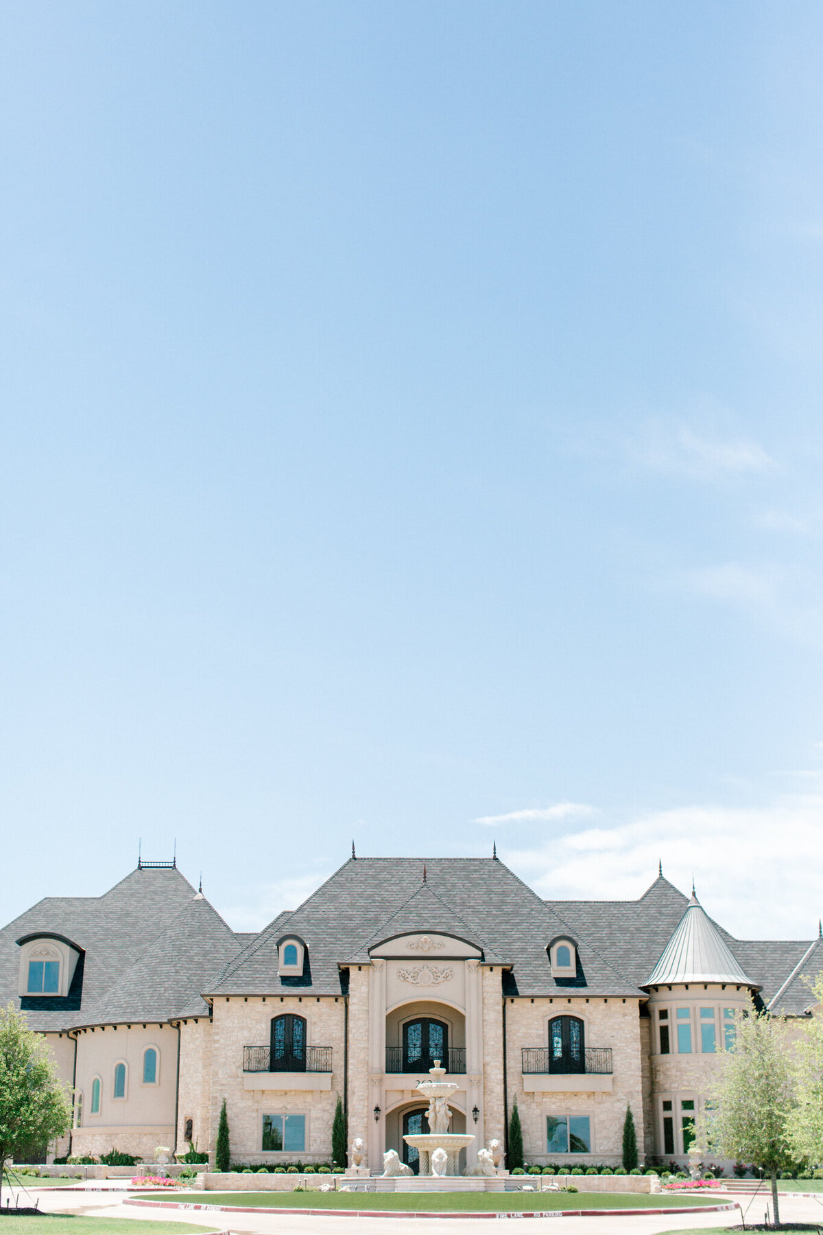 Jasmine & Josh Wedding at Knotting Hill Place | Dallas DFW Wedding Photographer | Sami Kathryn Photography-2