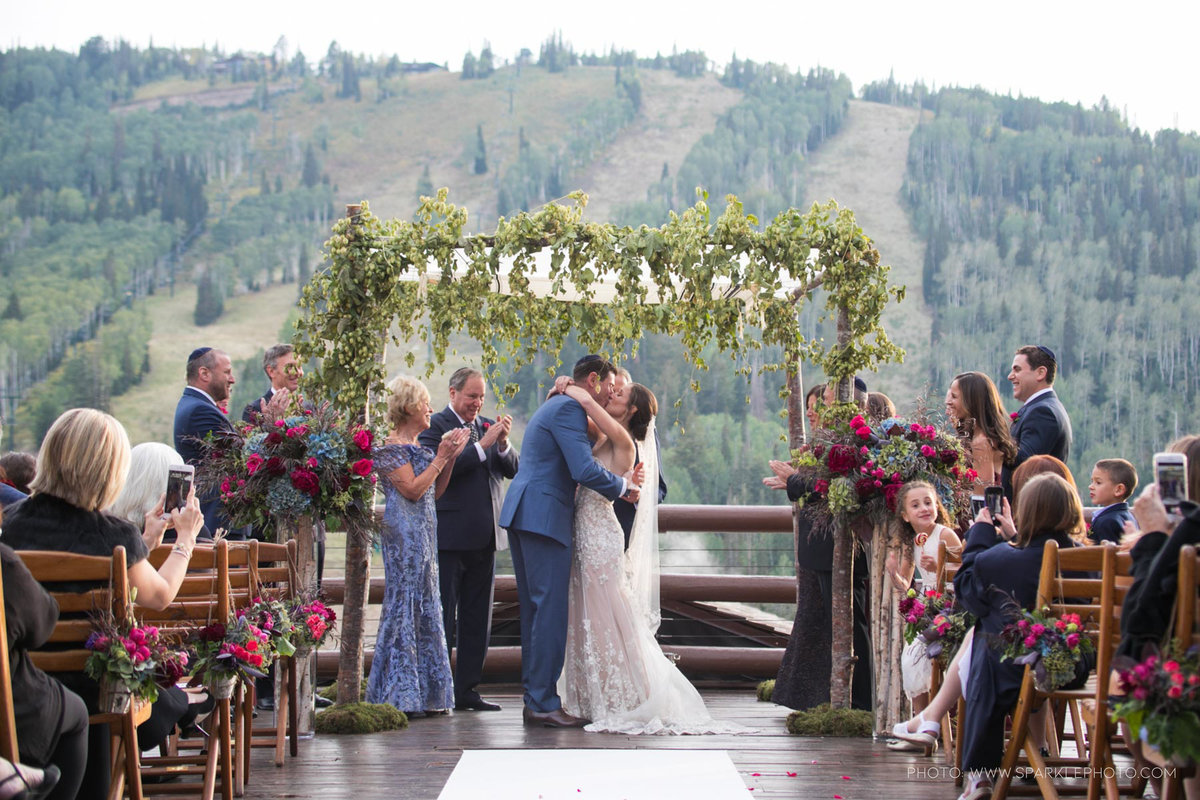 Utah Florist_Summer Weddings in Park City_Colorful Wedding_Luxe Mountain Weddings_Stein Eriksen Lodge Weddings_Artisan Bloom--25