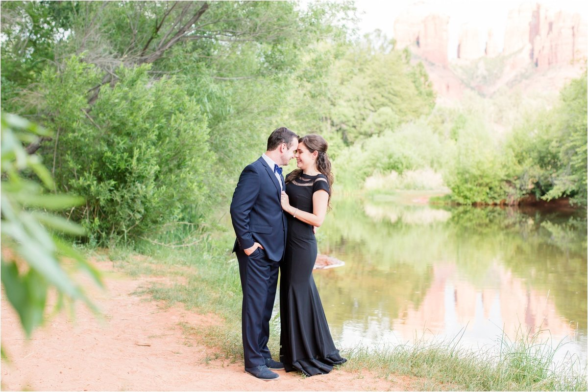 Sedona-Red-Rock-Crossing-Engagement-Session-in-Sedona-Arizona-by-Unfading-Beauty-Photography_0109