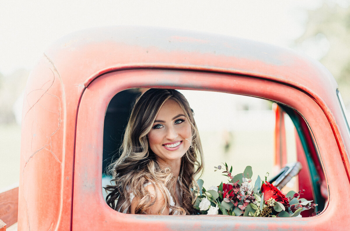 Copyright-Dewitt-for-Love-Photography-B+L-Southern-Grace-Barn-Wedding-Photographer-Florida-100