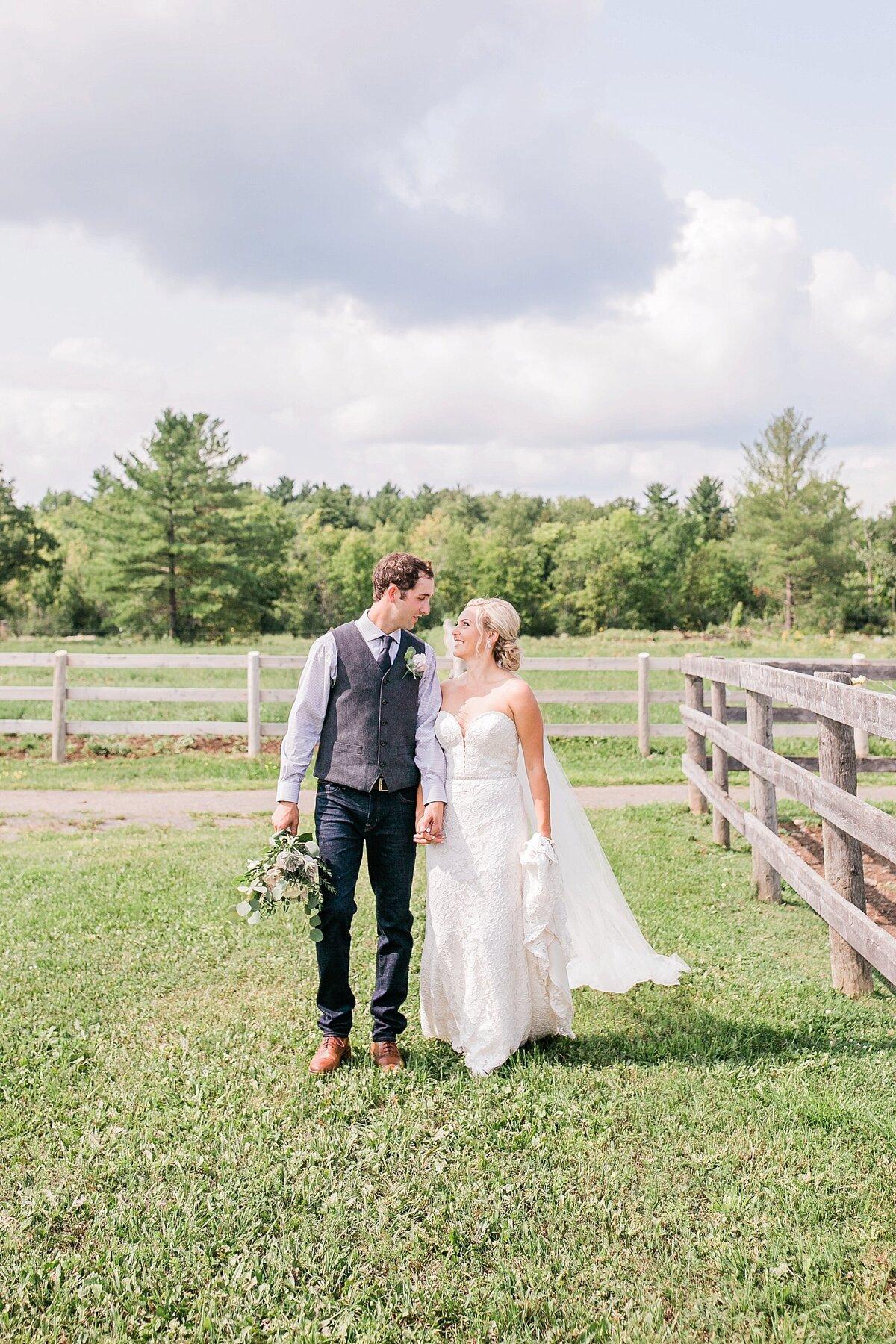 Ottawa-Country-Wedding-LauraClarkePhotos_0020