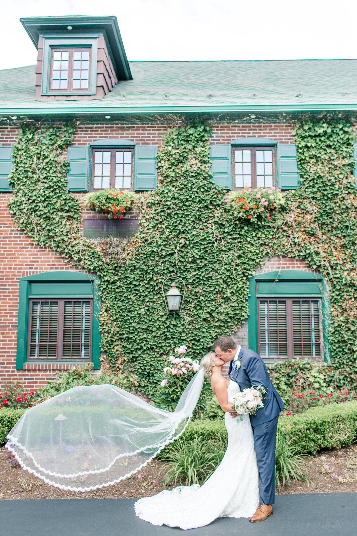 Beaumont_Inn_Wedding_Photographer-165