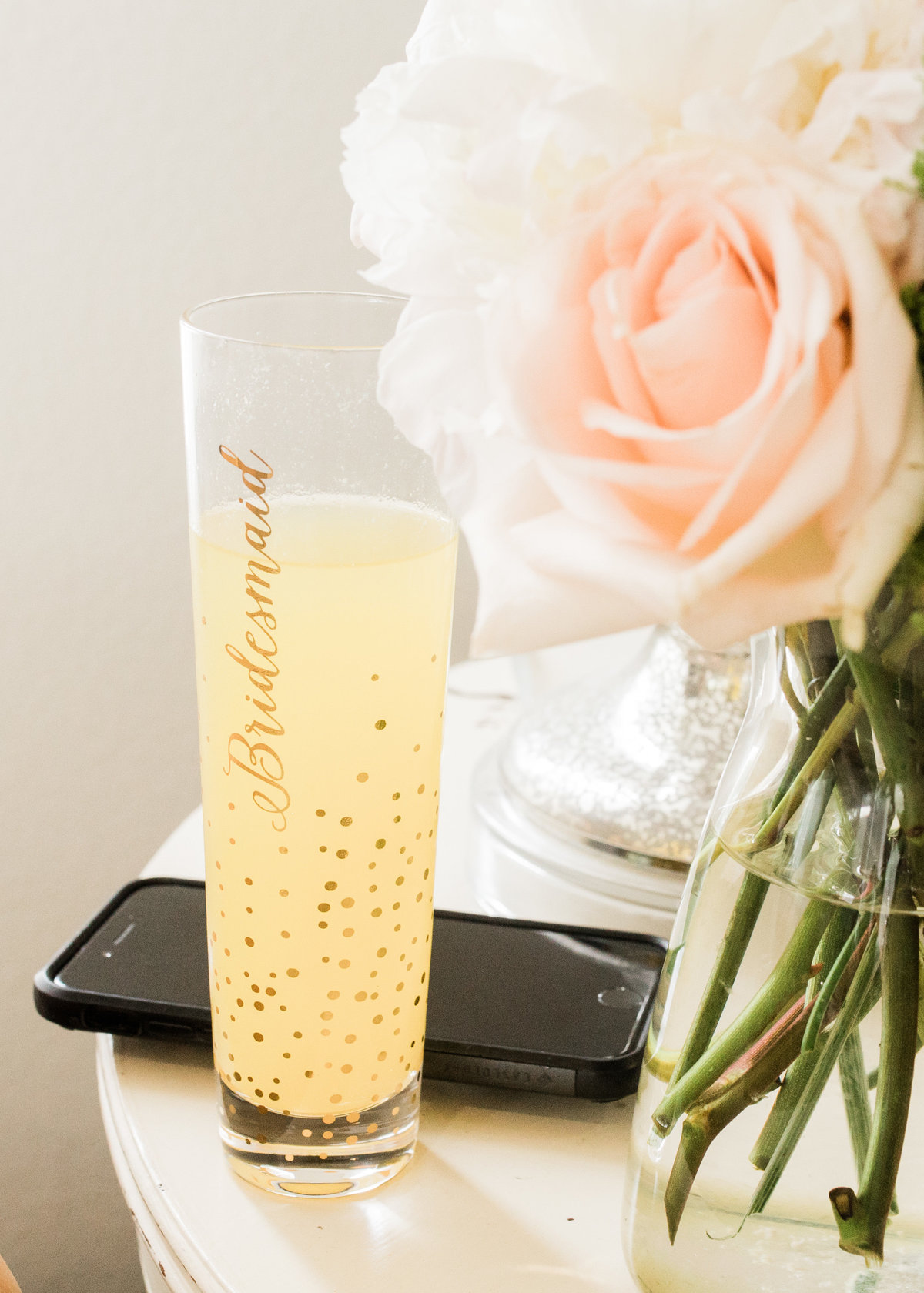 Champagne for Wedding party / Katie Childs Photo