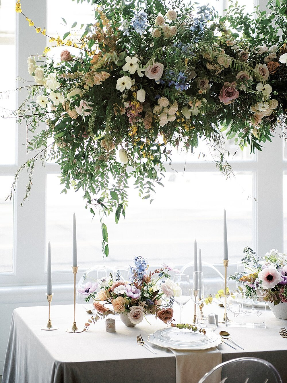 Modern-love-event-leigh-and-mitchell-floral-installation-wedding-reception-ideas