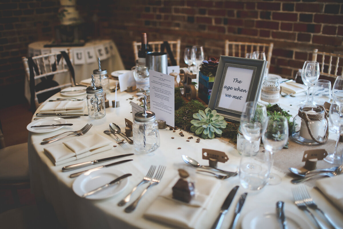 GAYNES-PARK-BARN-WEDDING-ESSEX-0015