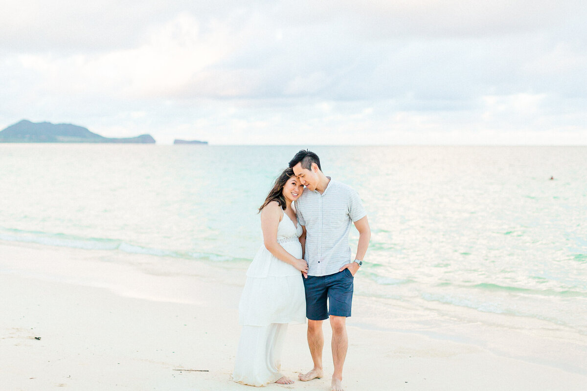 Blog-lanikai beach maternity session by hawaii maternity photographer veronica ilioi photography-0054