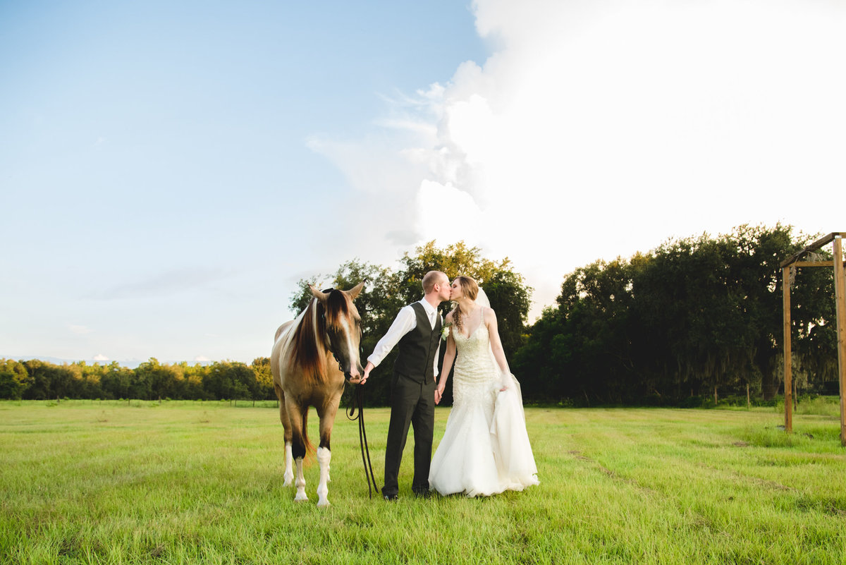 StyledWedding_TheOrangeBlossomBarn_Favorites-6053
