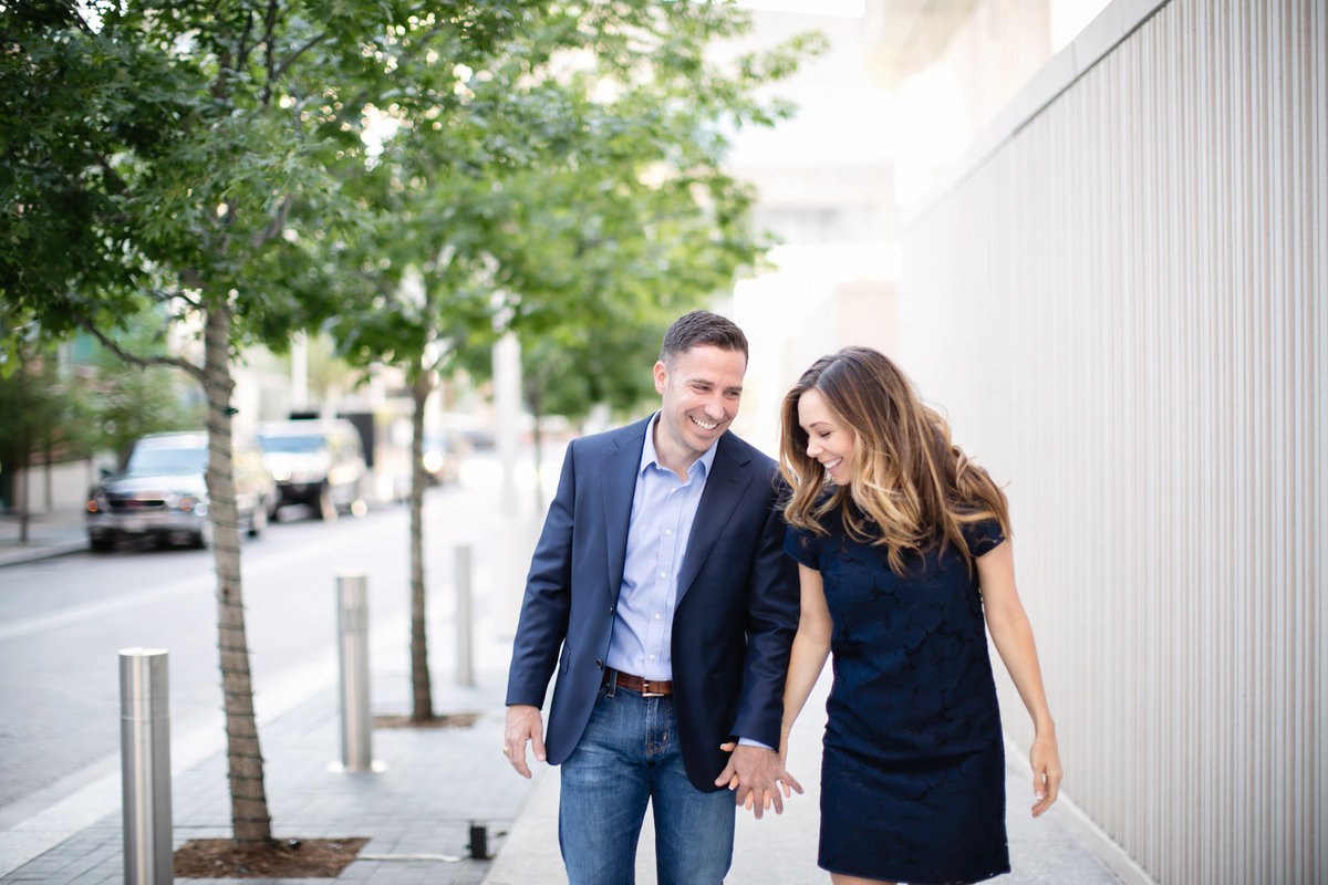 AA_Dallas_Downtown_Engagement_By_Dallas_wedding_Photographer_Julia_Sharapova-6