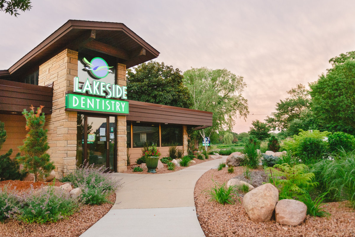 exterior photography for lakeside dental care in rochester minneaota