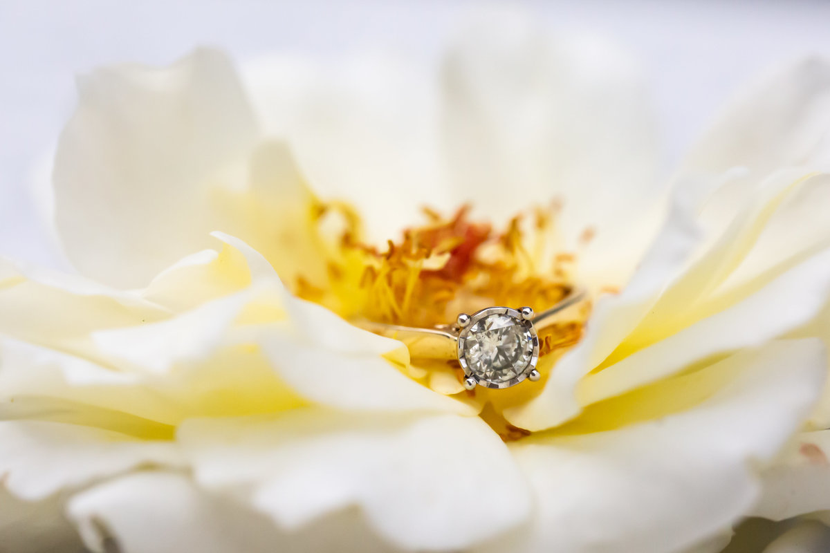 brides-ring-flower
