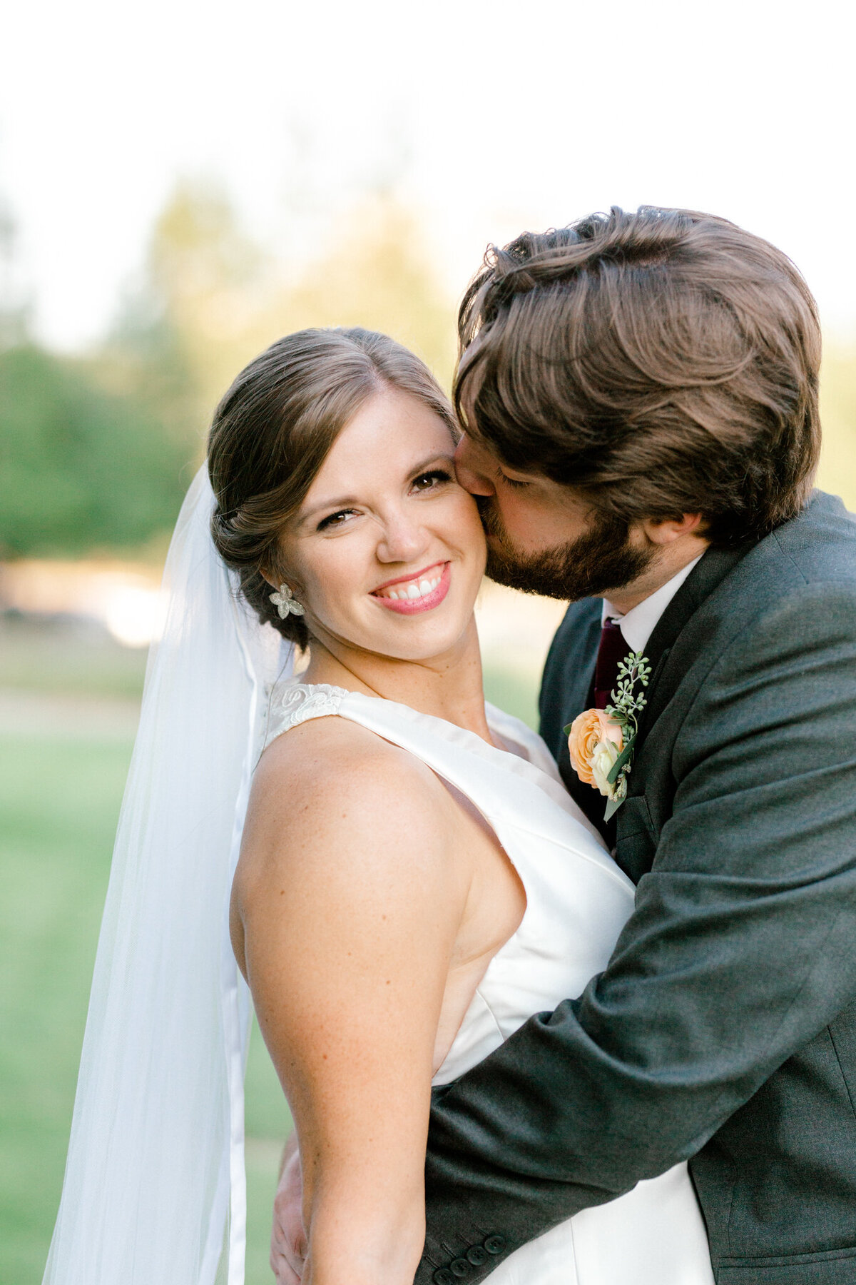 Kaylee & Michael's Wedding at Watermark Community Church | Dallas Wedding Photographer | Sami Kathryn Photography-14