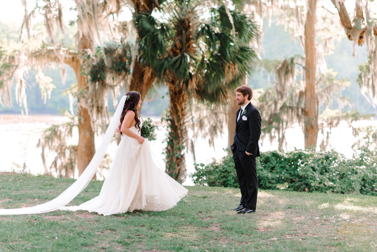 A Charming, Wachesaw Plantation Club Wedding Photography by top South Carolina Photographer Pasha Belman