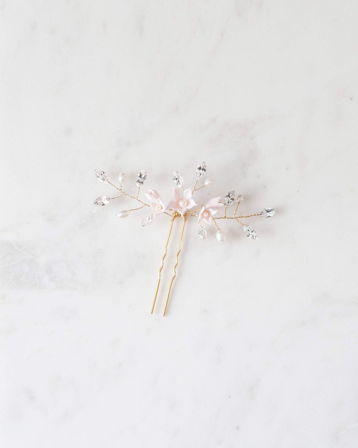 belle-fleur-hair-pin-gold-blush-pearl-1-atelier-elise-2400