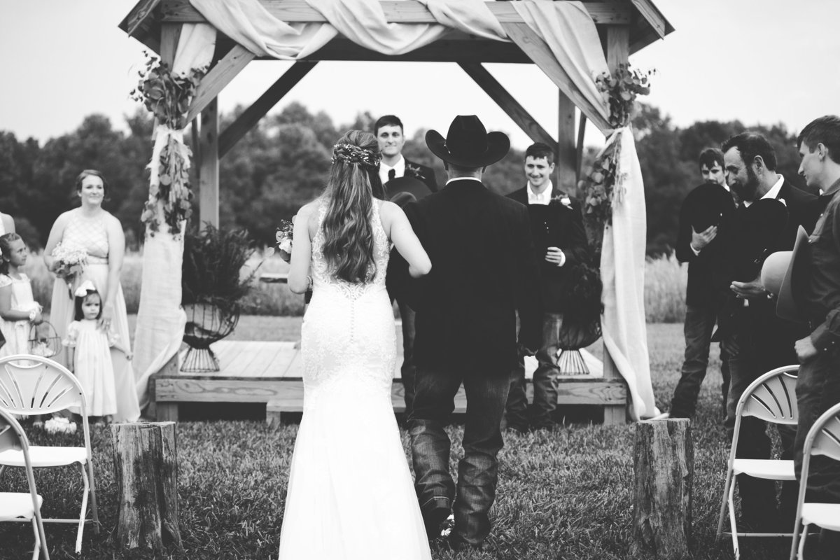 Nsshville Bride - Nashville Brides - The Hayloft Weddings - Tennessee Brides - Kentucky Brides - Southern Brides - Cowboys Wife - Cowboys Bride - Ranch Weddings - Cowboys and Belles095
