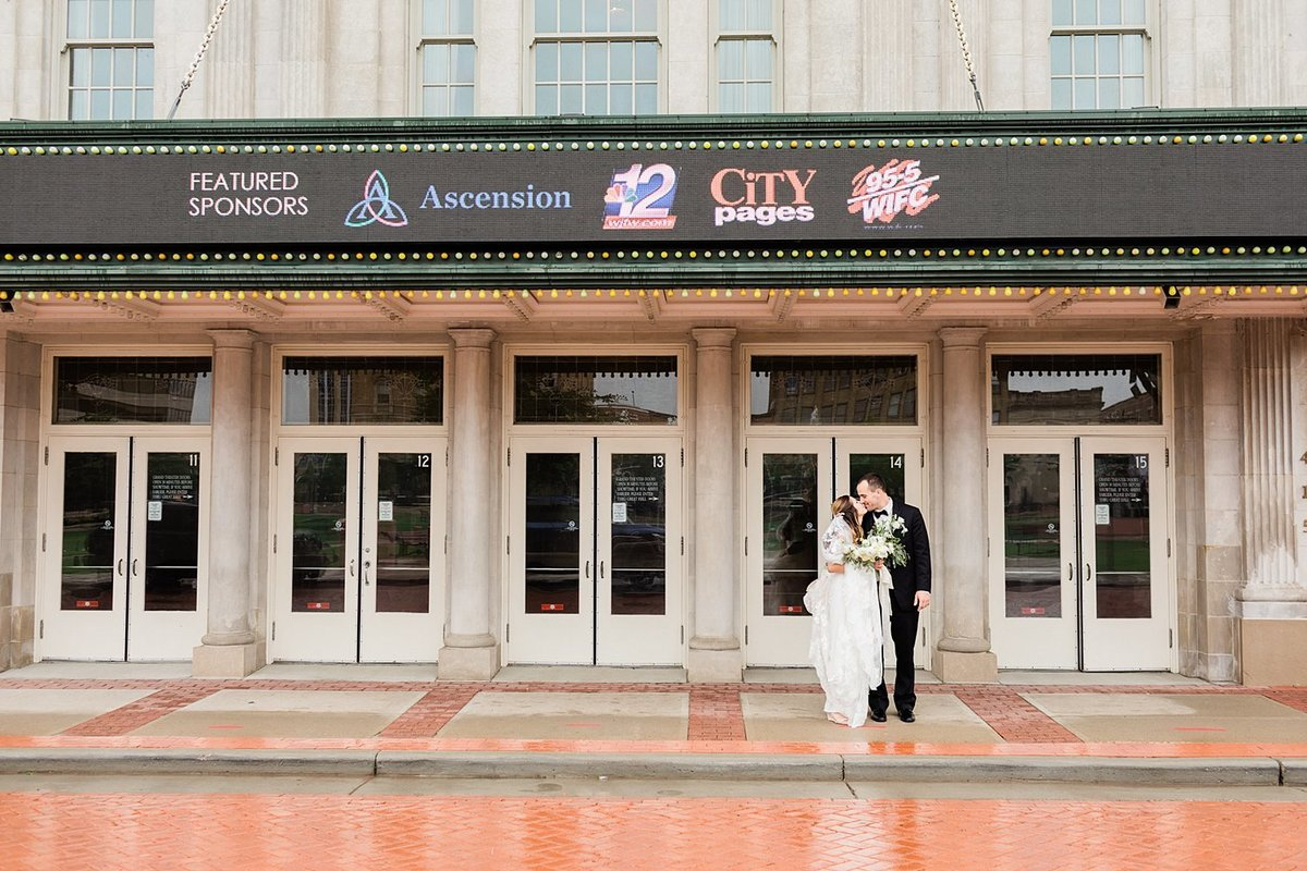 29_Downtown-Wausau-Wedding-Photos-James-Stokes-Photography