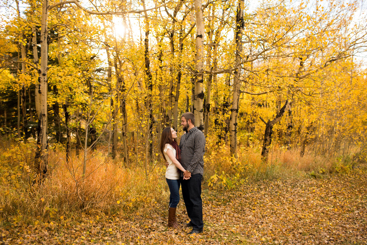 fall-colorado-engagement-pictures