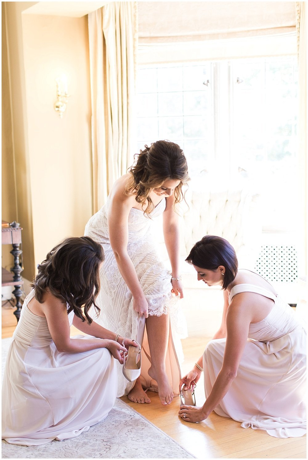 Laurel-Hall-Fall-Navy-Wedding-Ivan-Louise-Images-Jessica-Dum-Wedding-Coordination_photo_0004