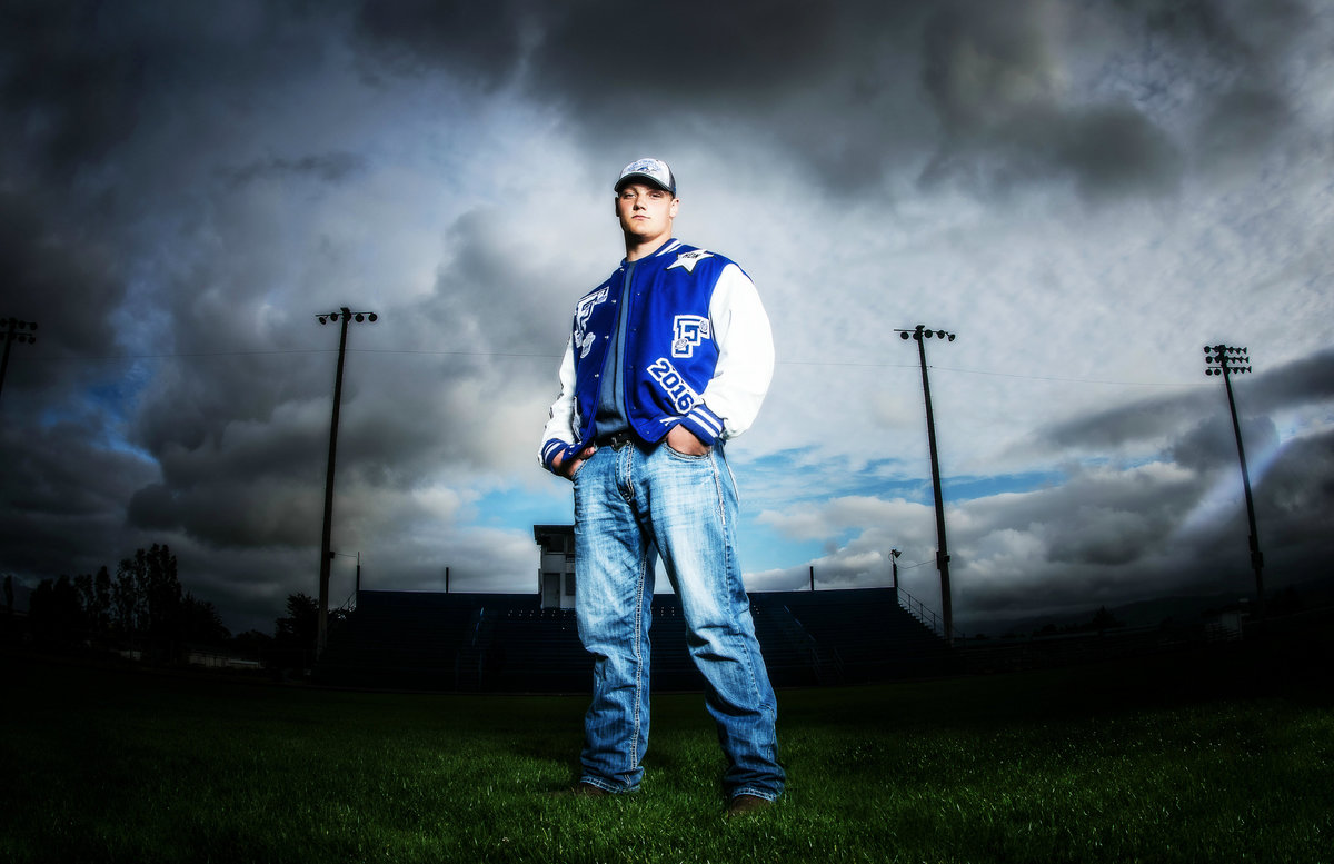 Redway-California-senior-portrait-photographer-Parky's-Pics-Photography-Humboldt-County-football-Fortuna-High-nighhttime-2.jpg