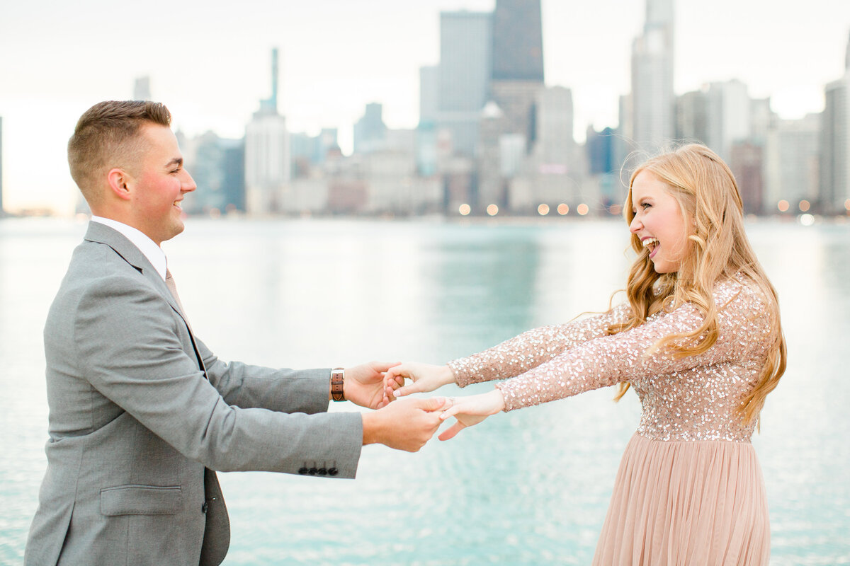 lindsey-taylor-photography-north-avenue-beach-chicago-engagement-photographer15