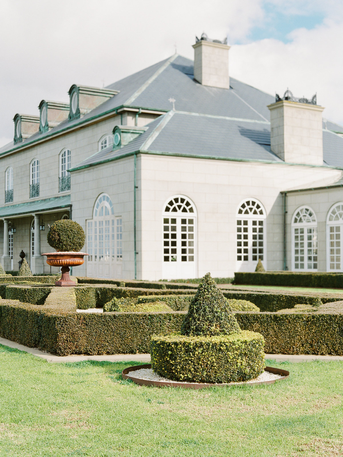 campbell point house luxurious french wedding venue 0021
