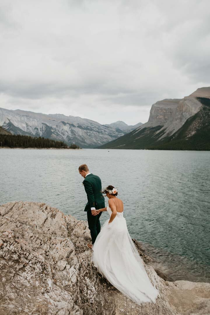 Tunnel Mountain Meadow Banff Elopement2569