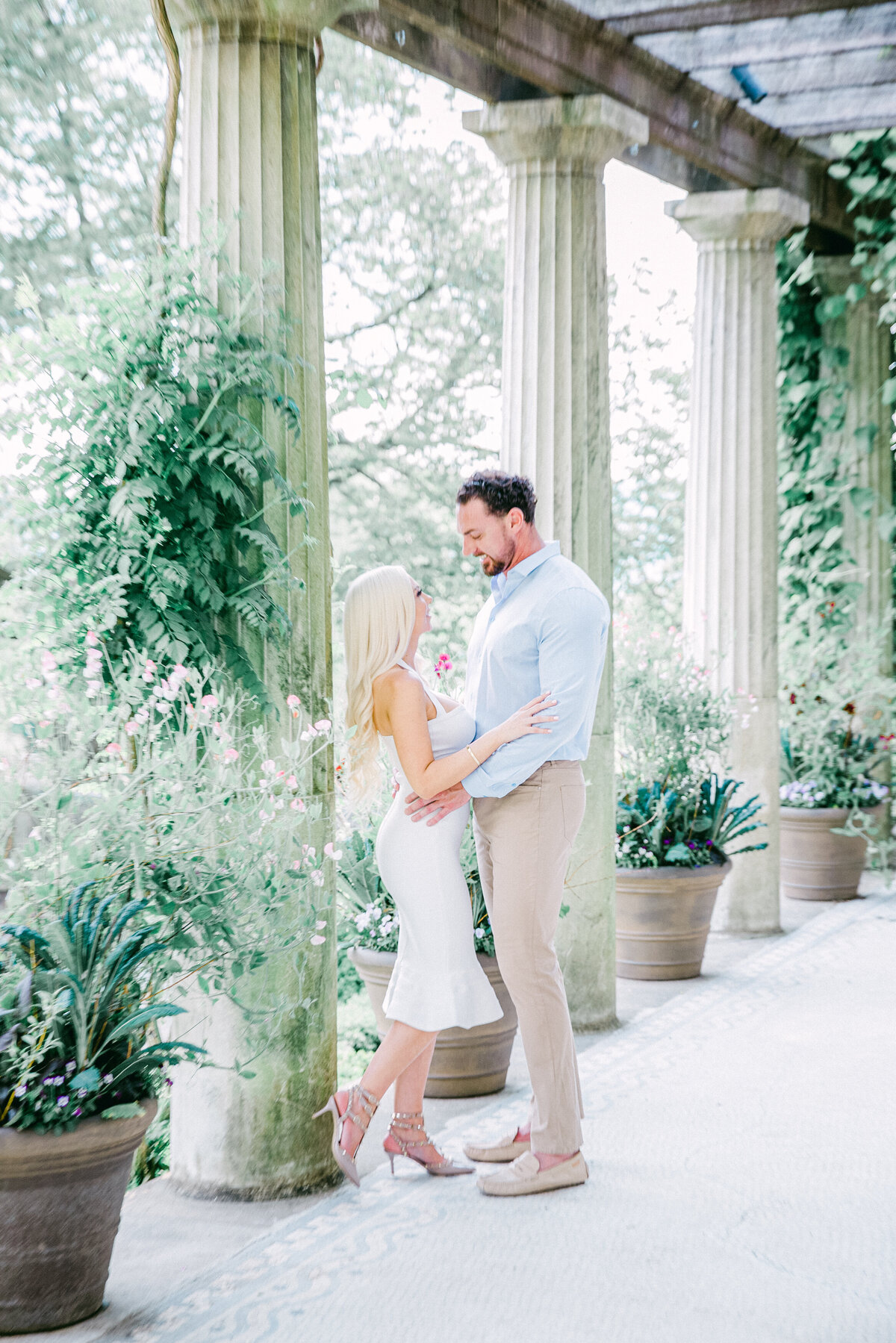 NW_romantic-spring-ny-engagement--1-2