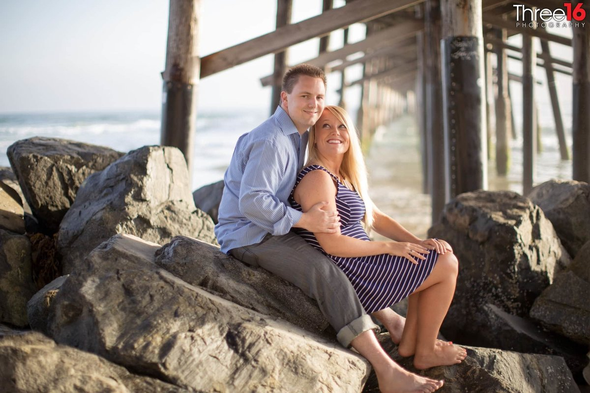 Newport Beach Pier Engagement Photos Orange County Newport Beach Wedding Professional Photographer
