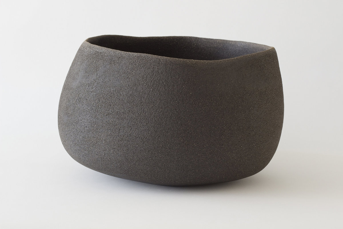 Yasha-Butler-Ceramic-Sculpture-Bowl-Black-Brown-Lithic_3-3500px