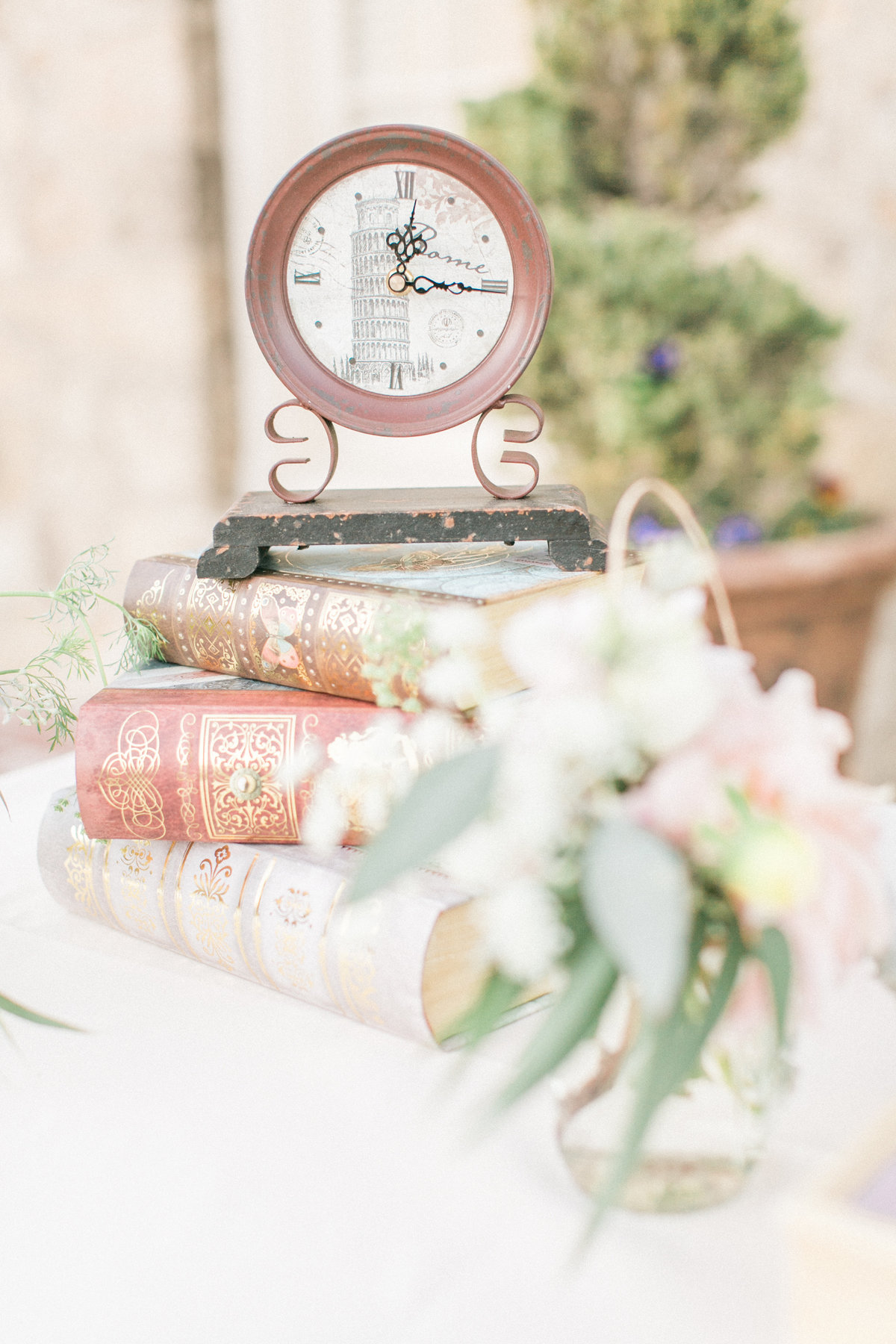 French Vintage Wedding Inspiration