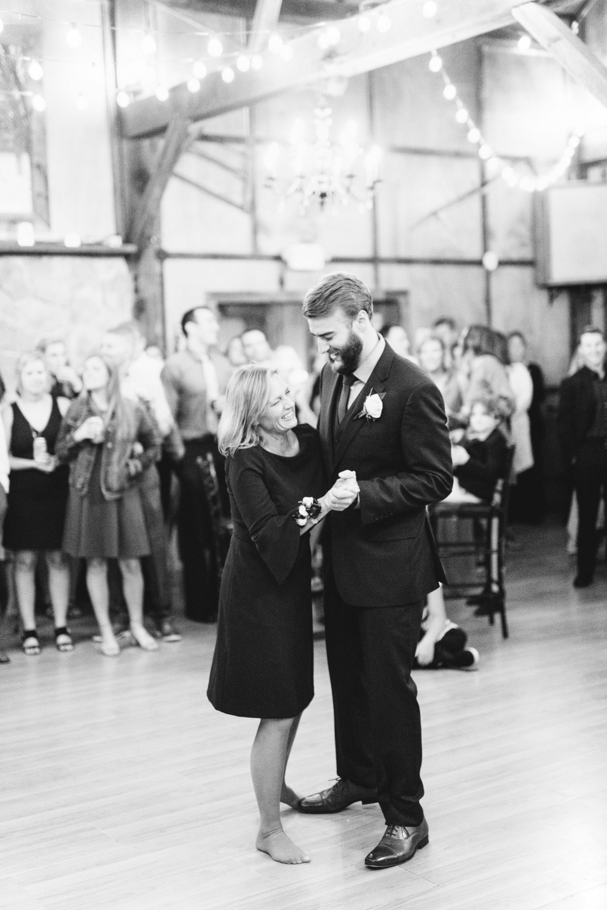 Hope-Glen-Farm-Cottage-Grove-Minnesota-September-Fall-Wedding-64