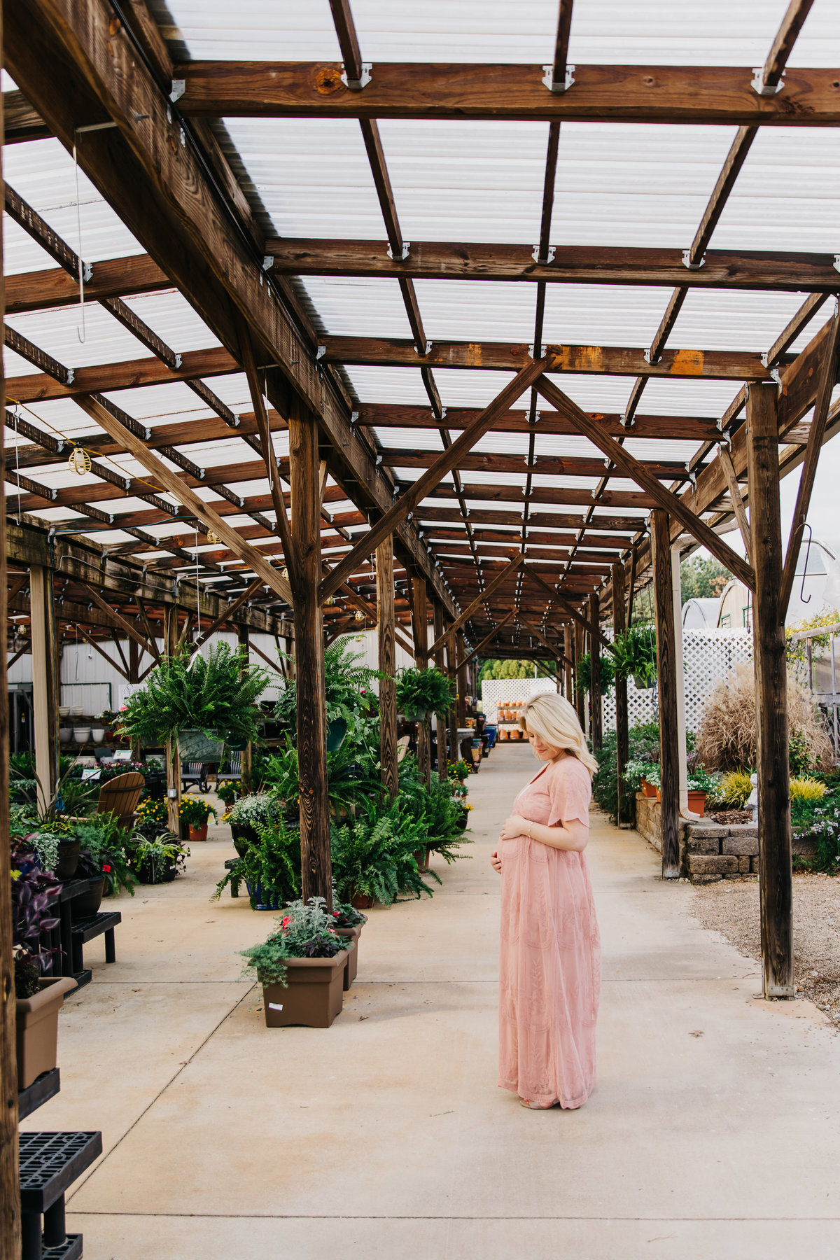 greenhouse-maternity-photography-session-raleigh-9959