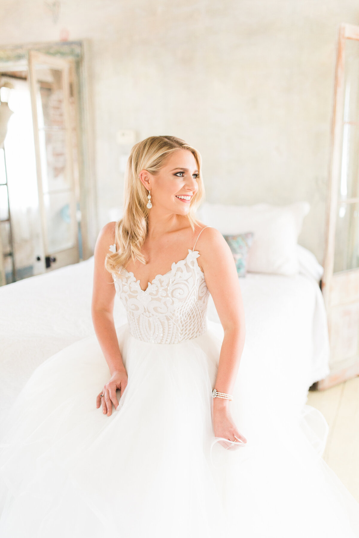 Renee Lorio Photography South Louisiana Wedding Engagement Light Airy Portrait Photographer Photos Southern Clean Colorful6