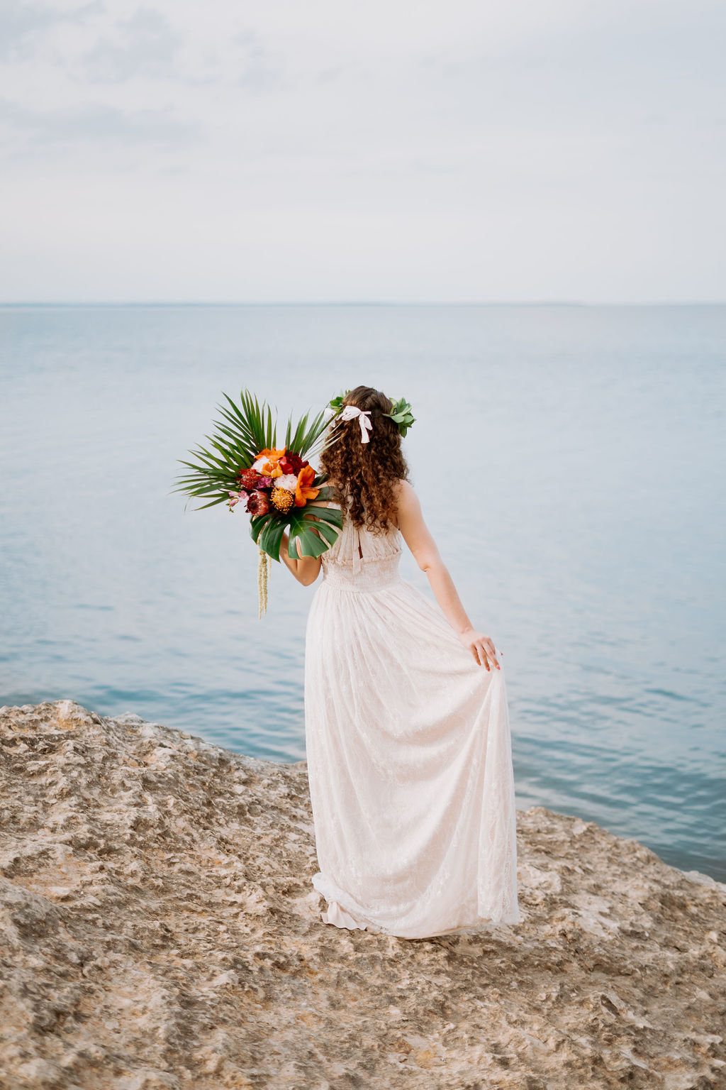 hawaii-adventurous-cliffside-elopement-wedding-photographer-10