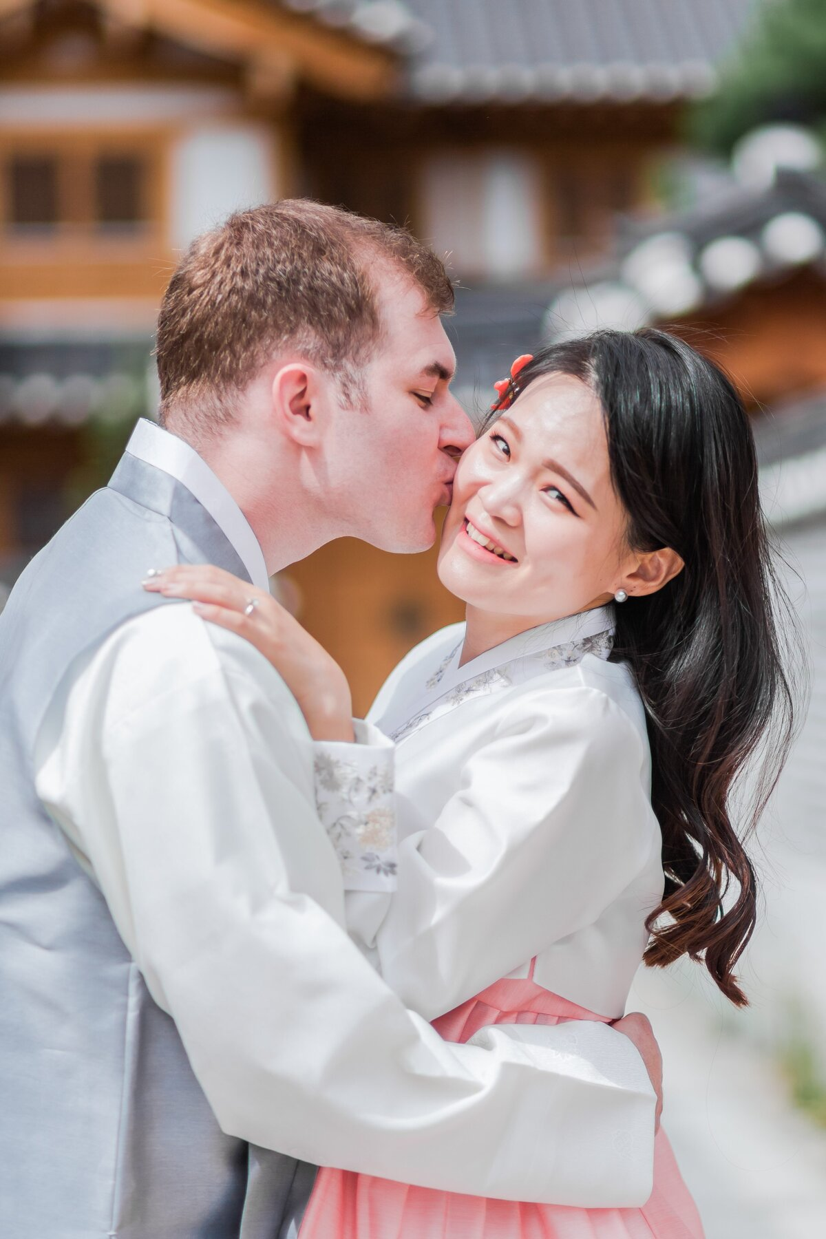 Seoul-South-Korea-Bridal-Engagement-Shoot-Eunpyeong-Village-Hanok-0002