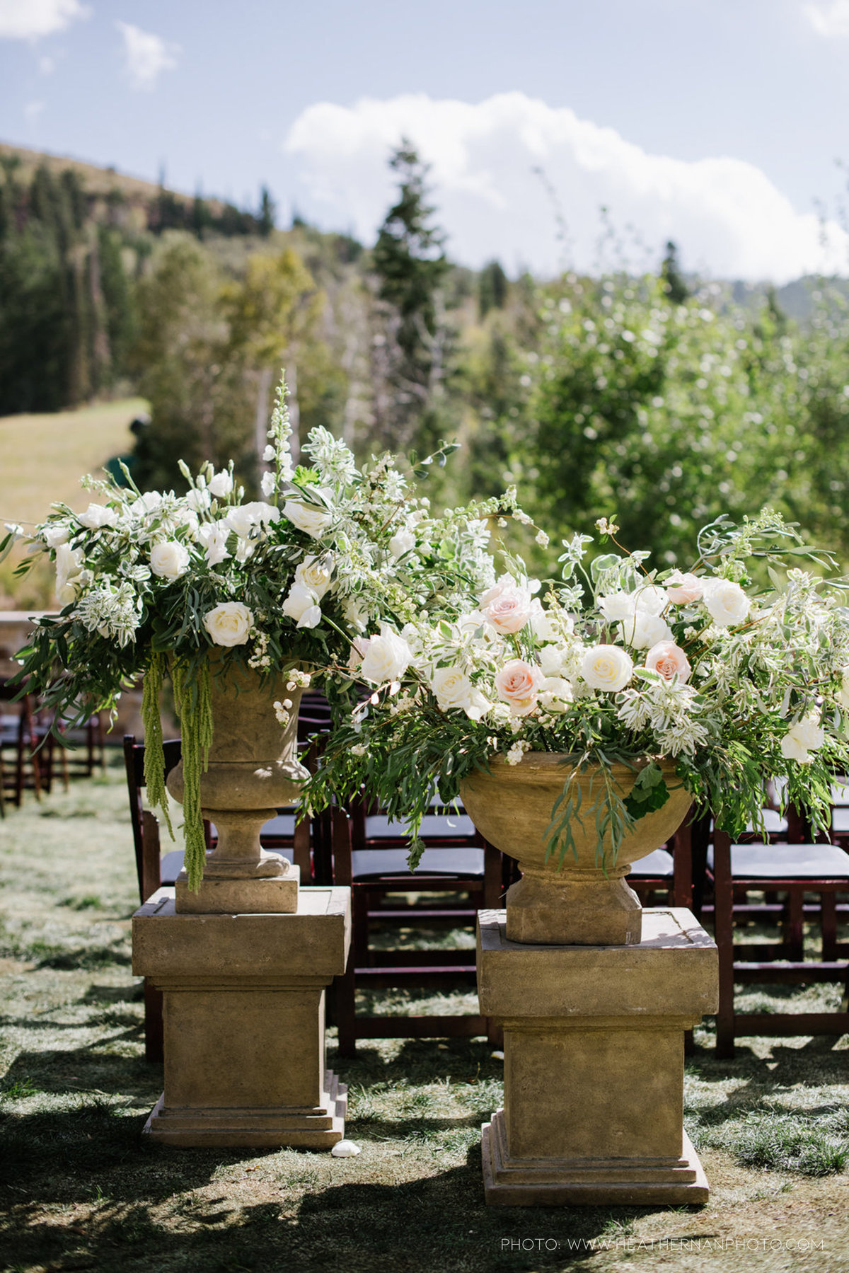 Utah Florist_Summer Weddings in Park City_Romantic Wedding_Luxe Mountain Weddings_Stein Eriksen Lodge Weddings_Artisan Bloom-1409