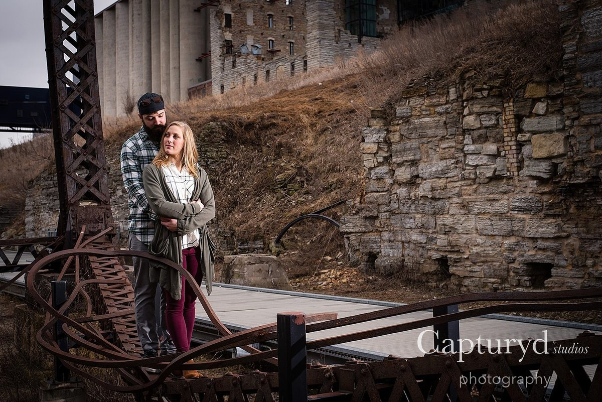Off camera flash engagement shoot