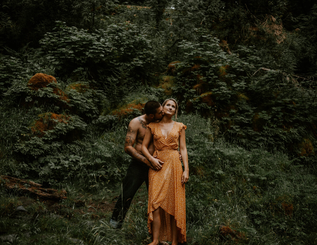 sahalie-falls-oregon-engagement-elopement-photographer-central-waterfall-bend-forest-old-growth-7696