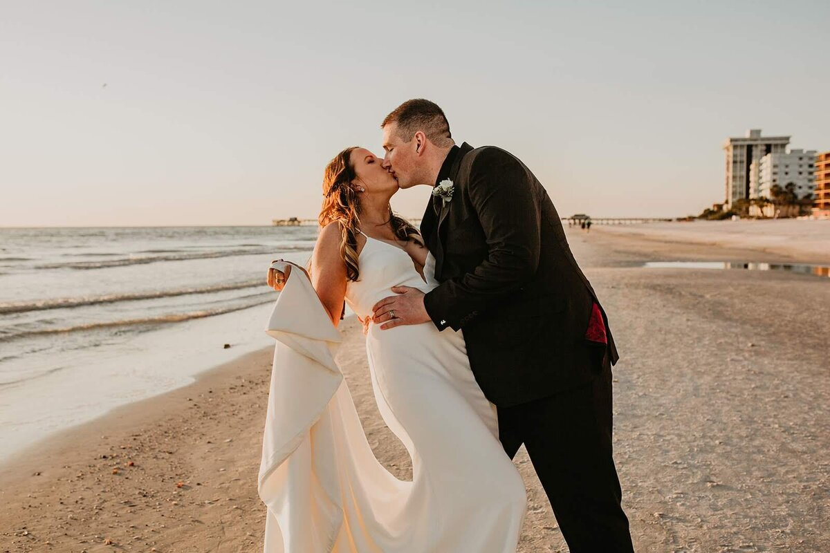Double Tree North Redington Beach Florida-Wedding-Brittany and Bruce489