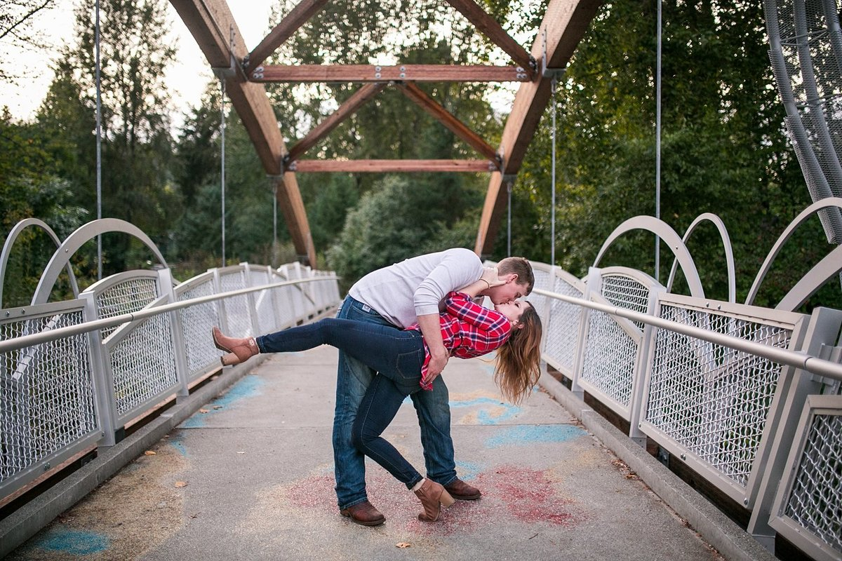 Seattle-engagement-photographer-fall-portraits (4)