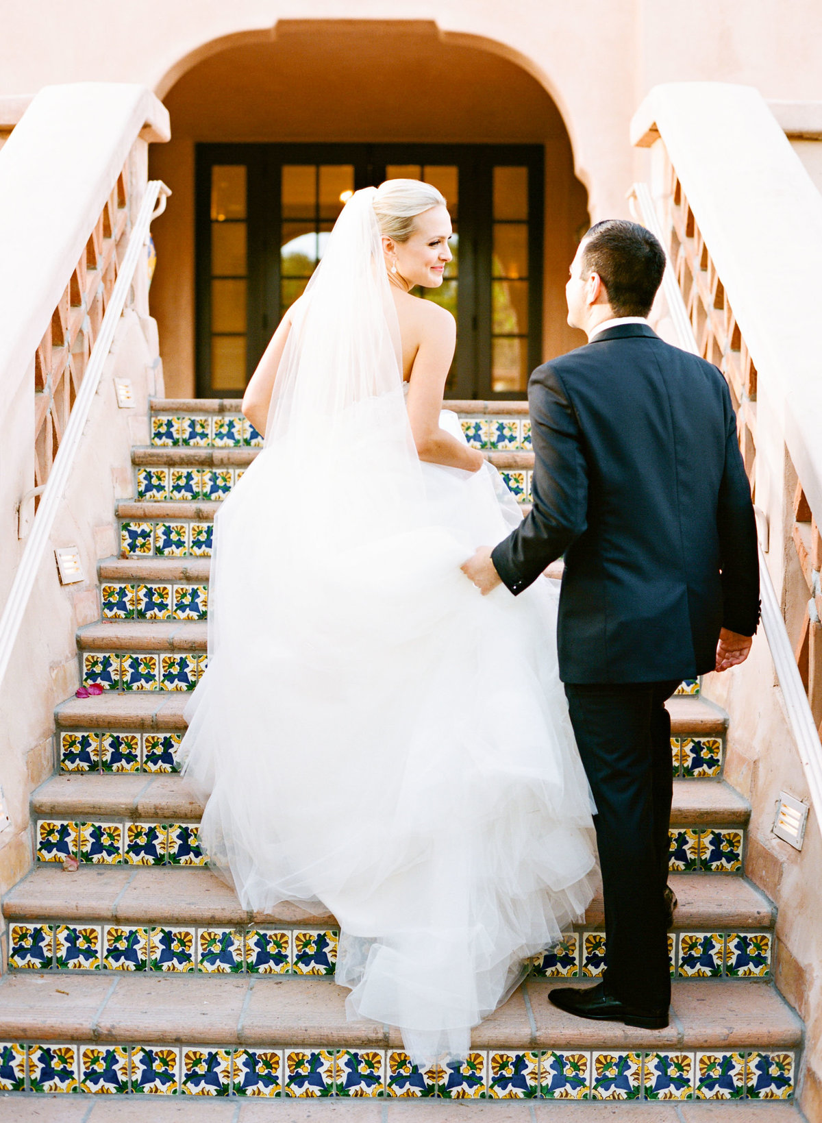 stairs_bride_groom