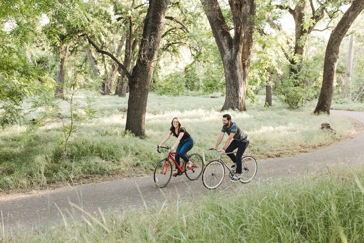 AVH_Photography_engagement_session_bidwell_park_california__V1_7879