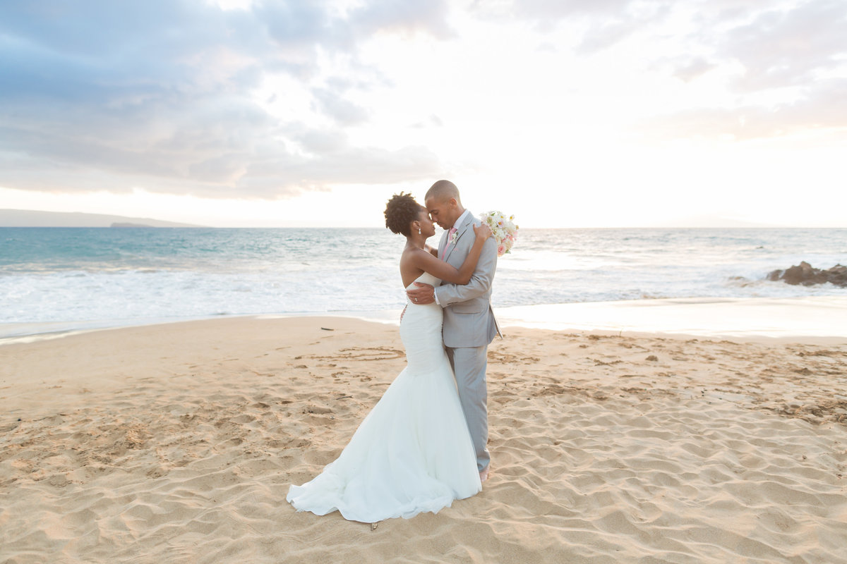 bride and groom in Maui, Hawaii